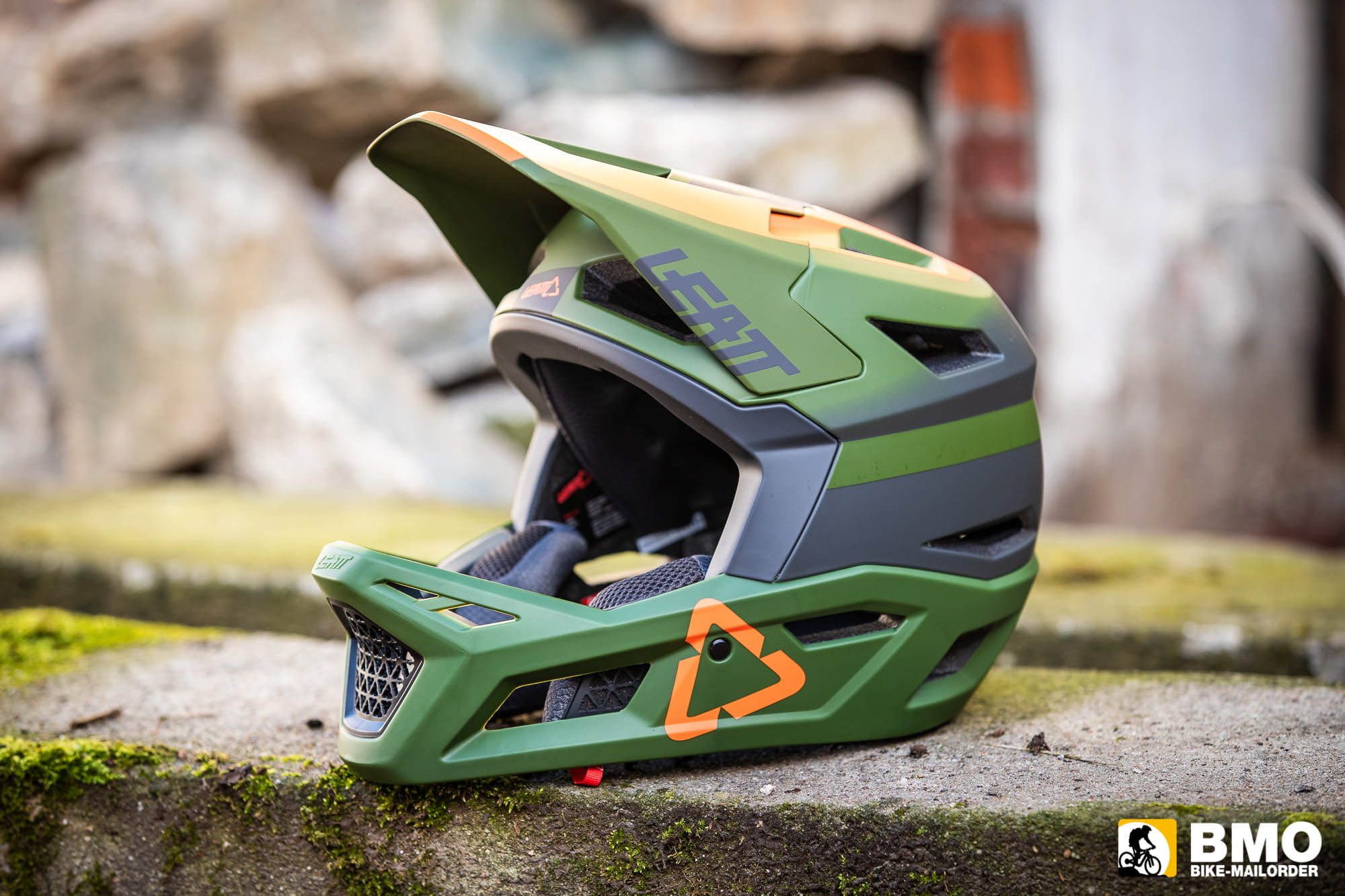 Leatt-DBX-4-0-Super-Ventilated-Fullface-Helm-Bike-Mailorder-2